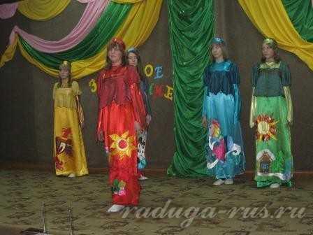 пример плагиата (коллекция театра моды Ромненской школы)