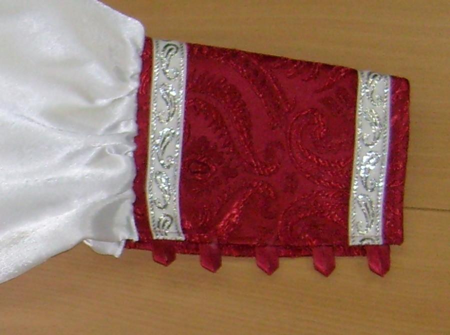 обработка рукавов ложной рубахи костюма Деда Мороза